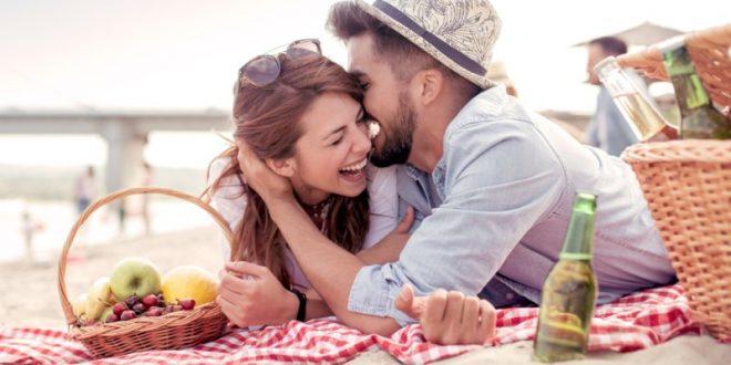 Μπορεί η φιλία να μετατραπεί σε ερωτική σχέση; Ποιά ζώδια ερωτεύονται τα φιλαράκια τους;