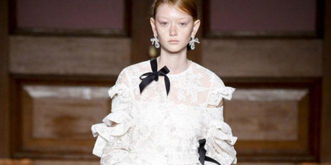 10 φορέματα που θα μπορούσαν να είναι νυφικά
