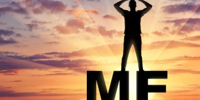 Ναρκισσισμός και ψυχανάλυση: Πώς ένα χαρισματικό παιδί κινδυνεύει να γίνει ενήλικος νάρκισσος