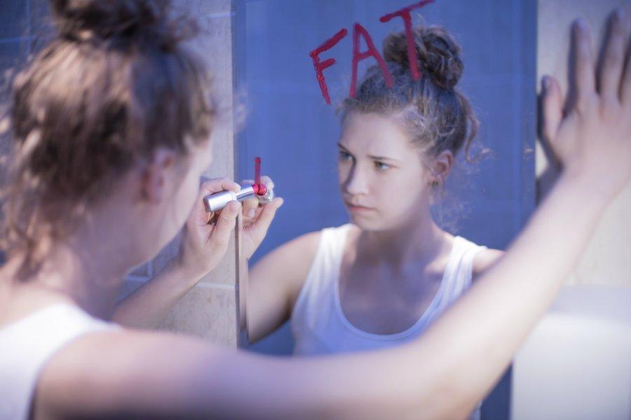 154052333a9 Νιώθω χοντρή και άσχημη και μισώ τον εαυτό μου - Πώς θα αρέσω στα ...