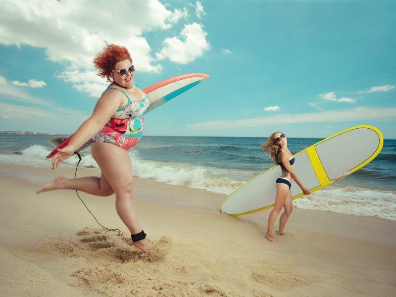 gunaika-plus-size-surfing 2