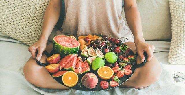 Καλοκαιρινή διατροφή: Τι πρέπει να τρώμε όταν κάνει πολλή ζέστη