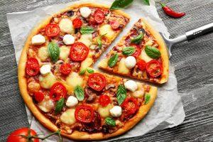 mesogeiaki-pitsa