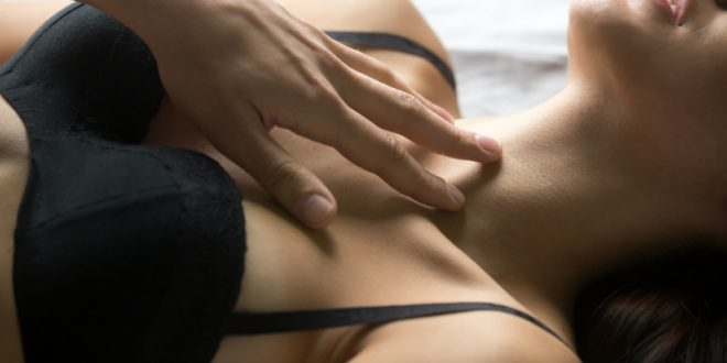 Σεξ μετά τα 50: Οι 7 παράγοντες που επηρεάζουν τη στύση
