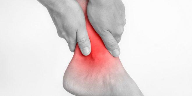 Πόνοι στον αστράγαλο: Μήπως μου «γύρισε το πόδι»;