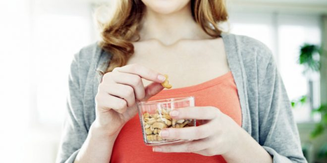 Κάσιους: Γιατί ΔΕΝ πρέπει να λείπουν από τη διατροφή σου;