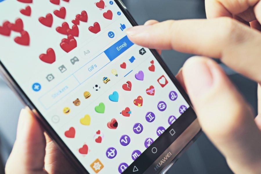 social media messenger love