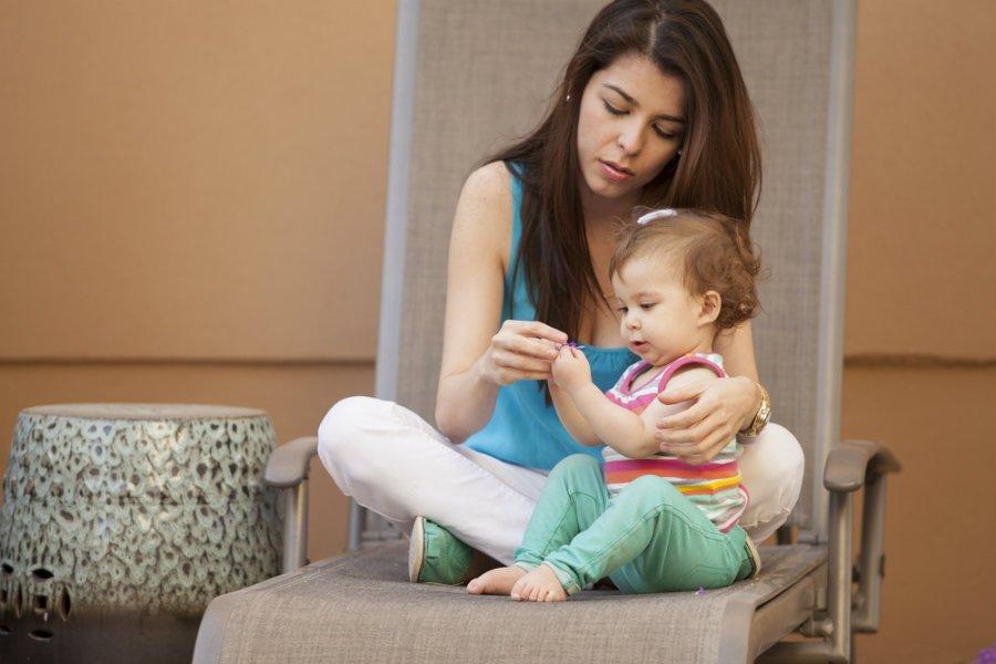 mwro baby sitter