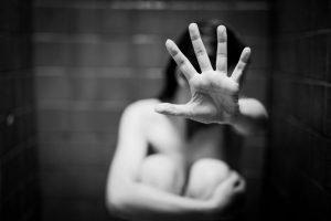 viasmos sexoyaliki kakopoiisi