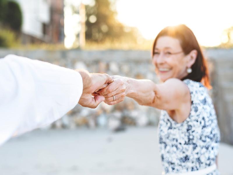 Τι να μην κάνω όταν βγαίνω με μια ηλικιωμένη γυναίκα ft αξίζει την ταχύτητα dating