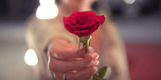 Ποιος πληρώνει στο ραντεβού; Ο άνδρας, η γυναίκα ή μισά – μισά;