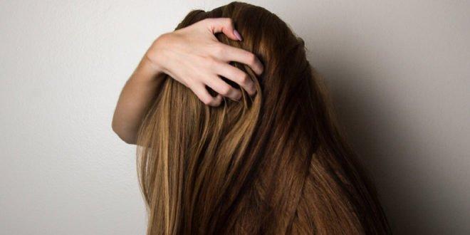 Τριχοτιλλομανία: Γιατί δεν μπορείς να «κόψεις» αυτή τη δυσάρεστη συνήθεια;