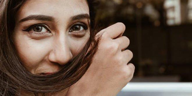 Είμαι ντροπαλή: Βήμα προς βήμα τι να κάνεις για να μην διστάζεις άλλο!