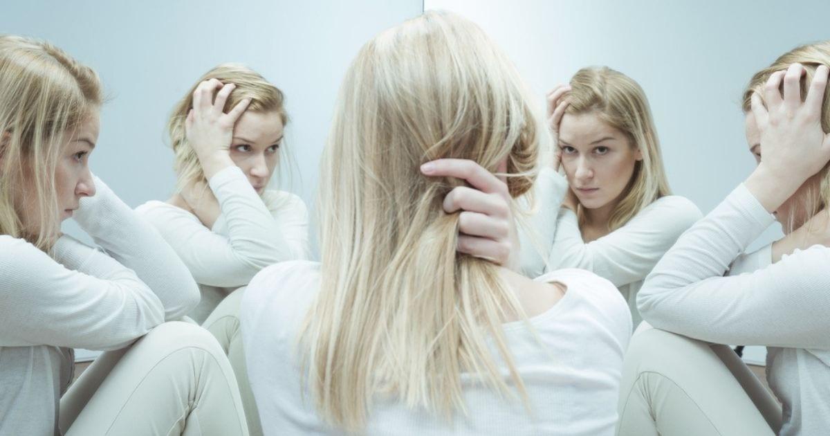Σχιζοφρένεια:-Ποιες-οι-αιτίες-και-τα-συμπτώματα-της;