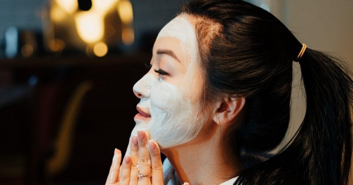 2-Πανεύκολες-συνταγές-για-DIY-μάσκα-προσώπου-από-αγγούρι