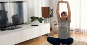 Πρωινή-ρουτίνα-χαλάρωσης-(Διατάσεις-μόνο-σε-10-λεπτά)
