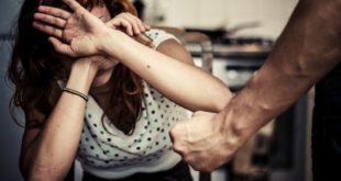 Ενδοοικογενειακή-βία-και-επιπτώσεις:-Χαρακτηριστικά-θύτη,-θύματος