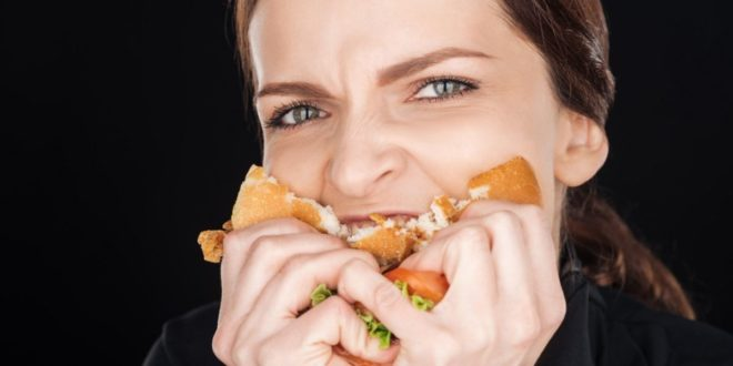 Συναισθηματική-πείνα:-Ποια-είναι-τα-αίτια-και-πώς-να-την-αντιμετωπίσετε