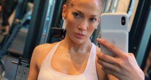 Jennifer Lopez exercises