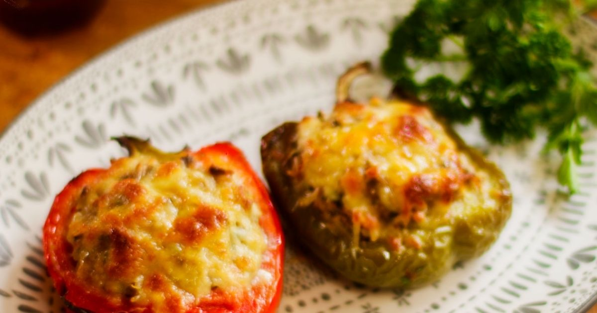 Γεμιστές πιπεριές με κιμά και τυρί (Ιταλική συνταγή)