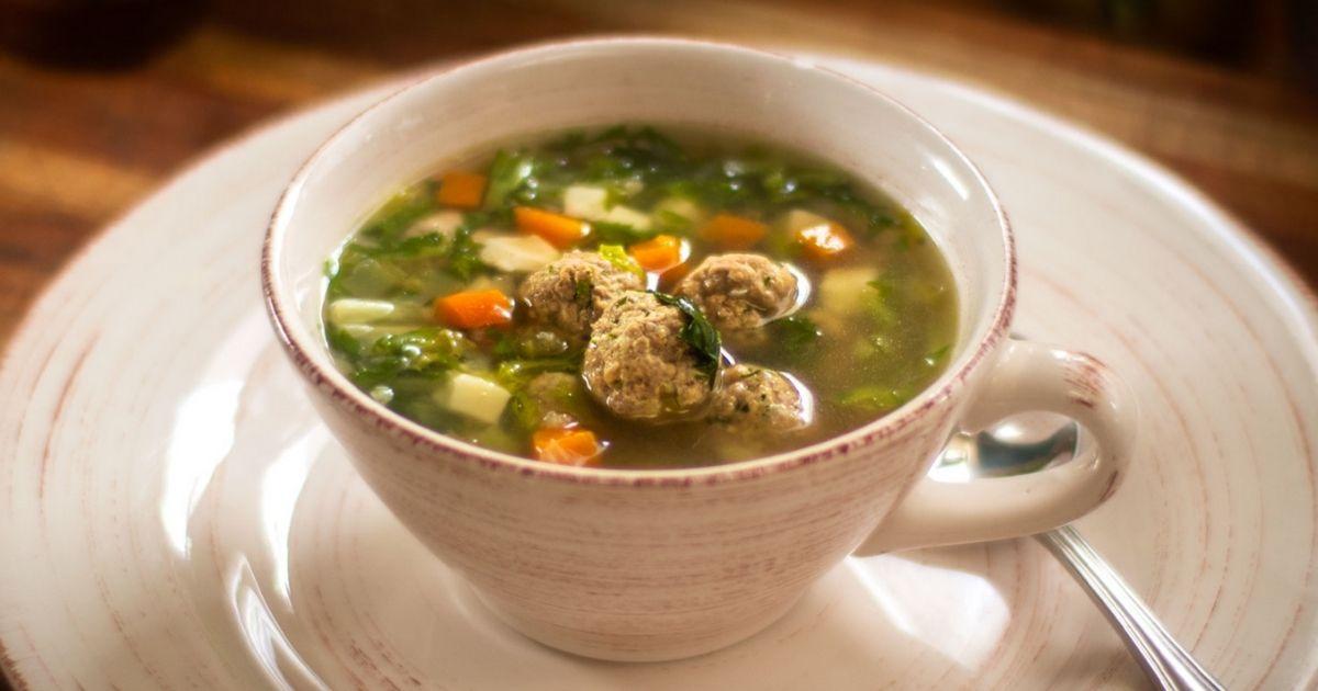 Γιουβαρλάκια σε σούπα